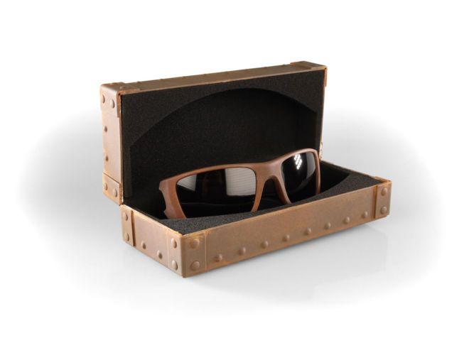 2-Oakley-Fuel-Cell-Fallout-Rust-Decay-glass-box